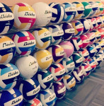 Mur ballons de volleyball